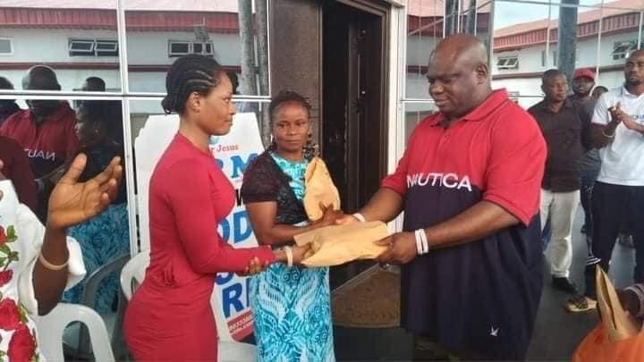 Founder Omega Power Ministry (OPM) Apostle Chibuzor empowers repentant sex workers in Enugu