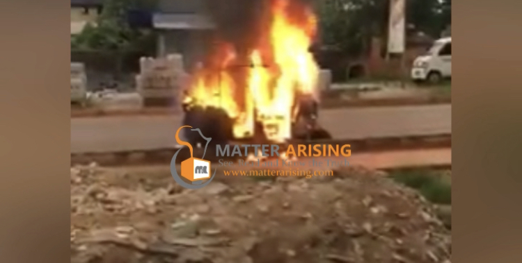 Video: IPOB/ESN burnt tricycle, injured the driver while enforcing sit-at-home in Enugu